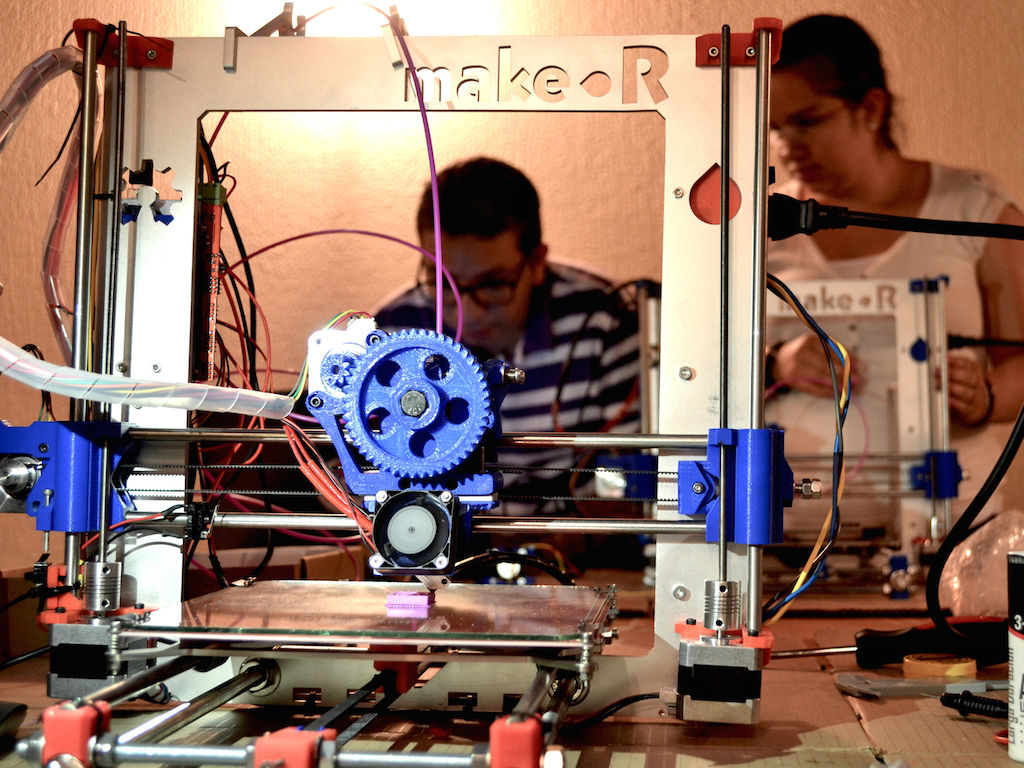 La impresora 3D tipo Prusa i3 de Make-r.
