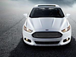 El carro autónomo que probaría Ford sería un Fusion híbrido.