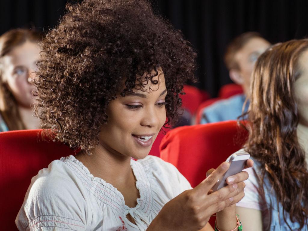 Cines AMC quieren apuntarle al público joven para que vaya a cine.