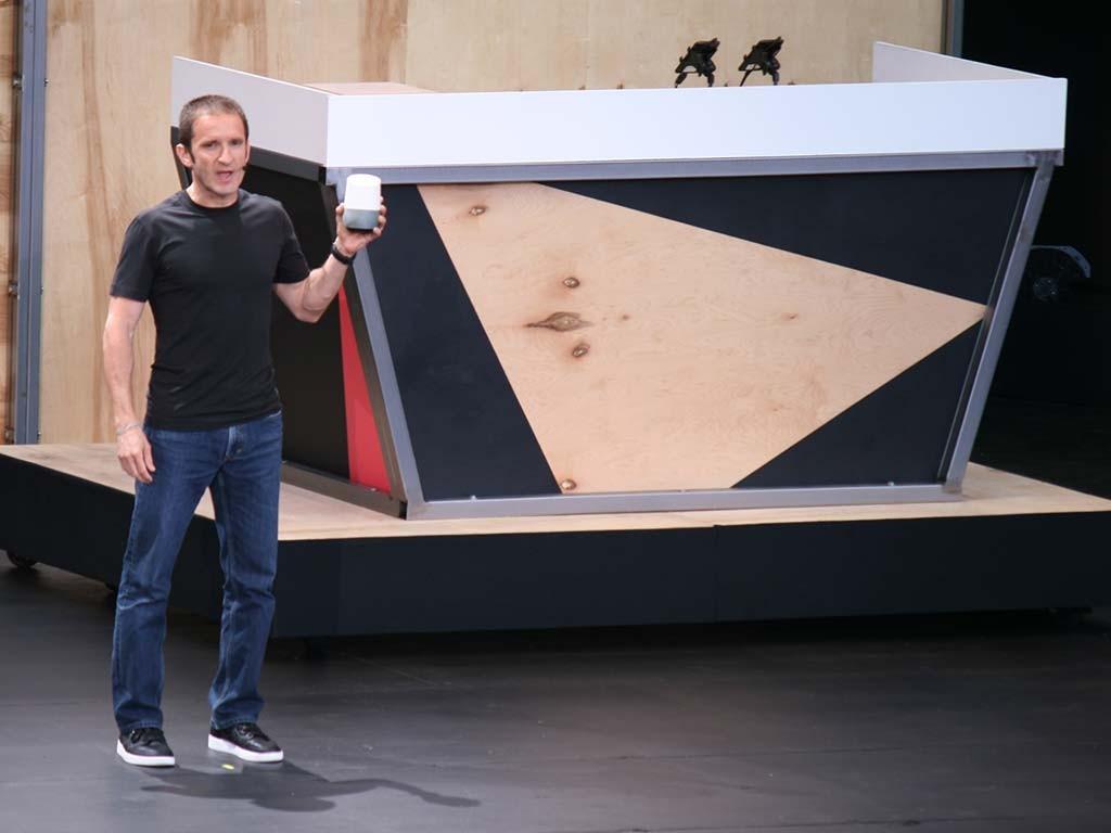 Google Home es un artefacto que se mueve gracias al poder de Google Assistant.