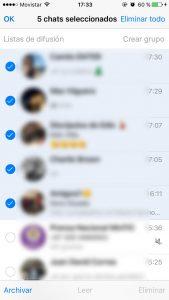 Elige varias conversaciones al tiempo en WhatsApp para iOS.