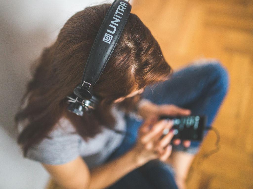 El audio se impone frente al video.