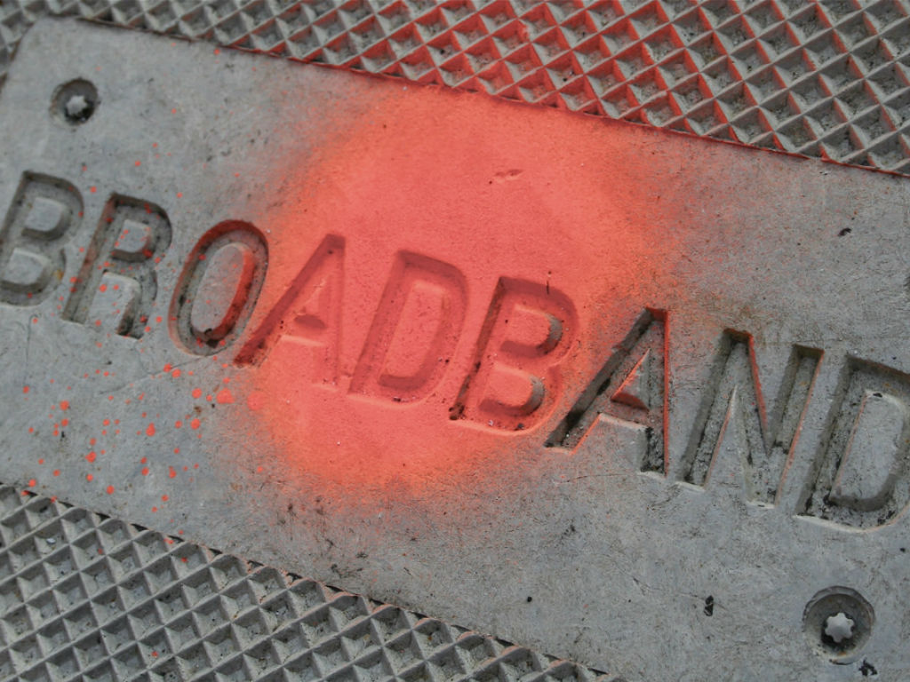 La propuesta es que en el corto plazo 10 megabits por segundo (Mbps) sea la velocidad mínima para que una conexión sea considerada de banda ancha.