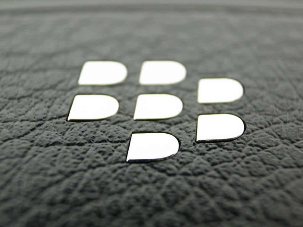TLC compra derechos globales de Blackberry.