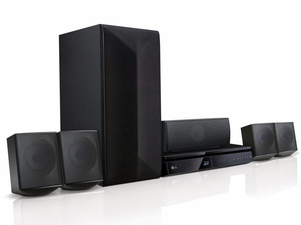 El teatro en casa ayuda a que el sonido sea envolvente y podamos disfrutar mejor un película