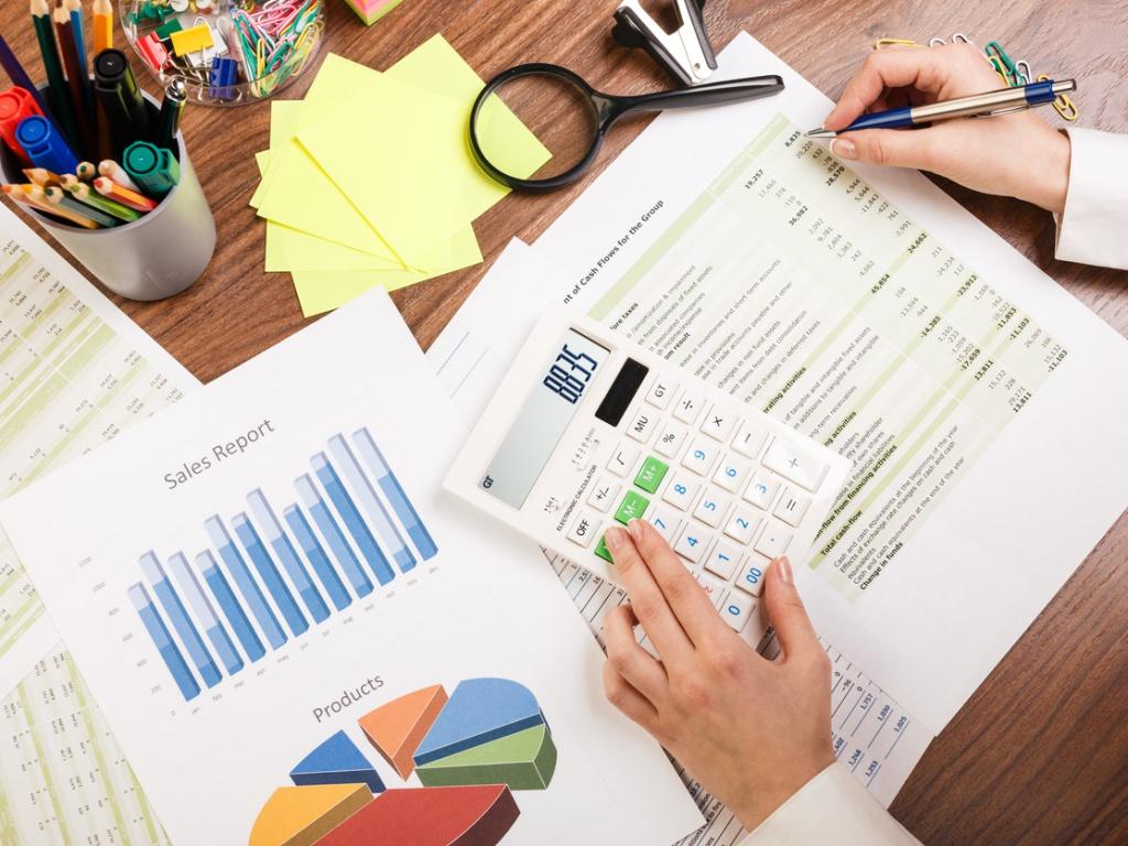 Implementar un software ERP requiere una estrategia que involucre a procesos y personas.