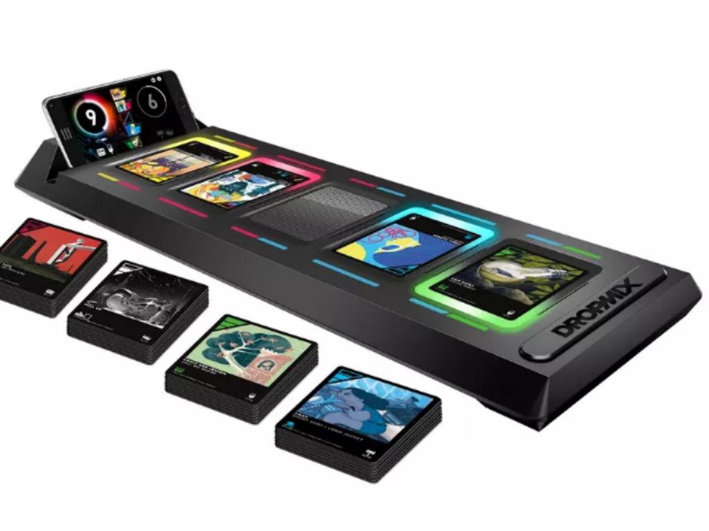 Harmonix, empresa creadora de Rock Band, fue la encargada de la asociación con Hasbro para crear el Dropmix.