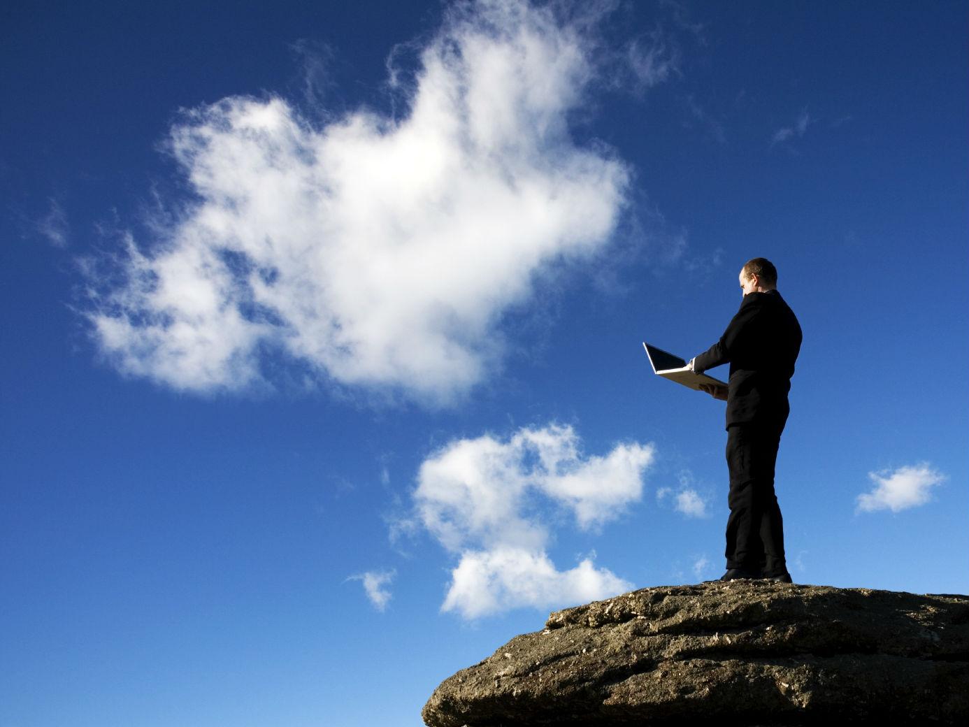 Las aplicaciones en la nube te permiten acceder a tu información de manera segura.