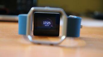 Nueva alianza entre Fitbit y Mastercard.