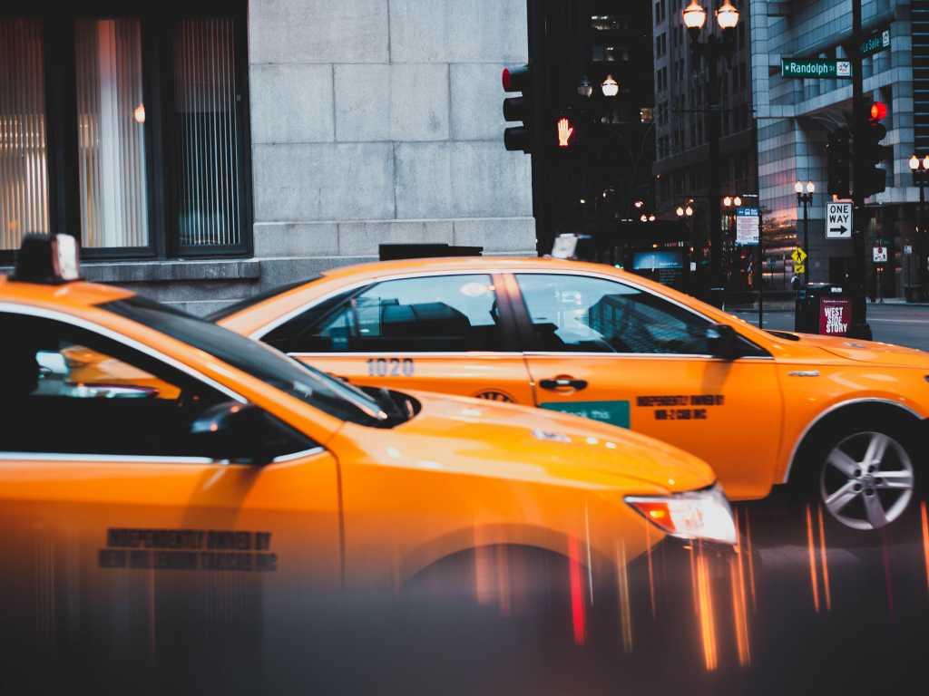 ¿Pedir taxis por WhatsApp? Ahora es posible • ENTER.CO